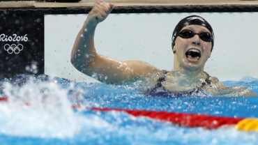 Katie Ledecky wins gold (AP Photo/Lee Jin-man)